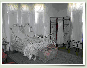 Bridal Room at Village Street B&B in Woodville, TX.